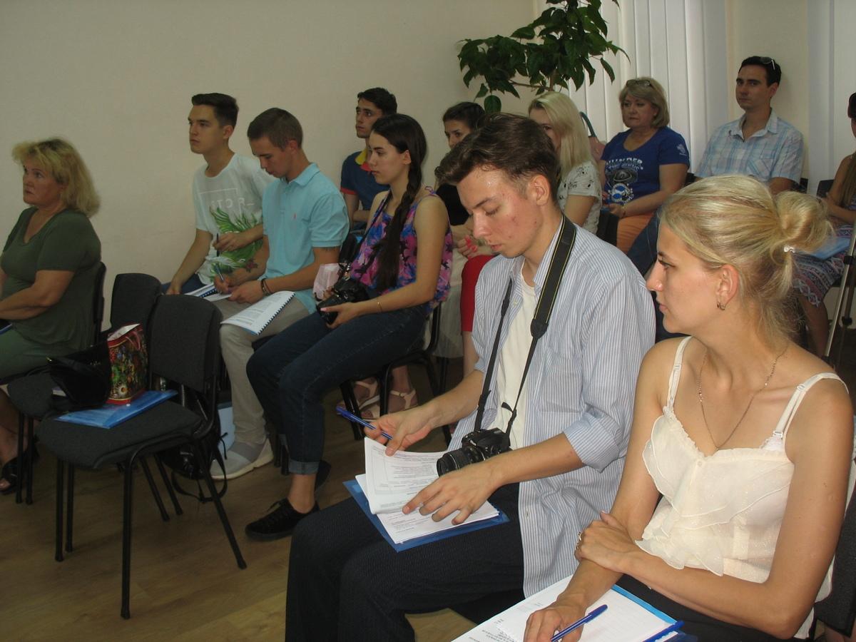 Про кращі практики висвітлення проблем внутрішньо переміщених осіб розповіли журналістам ЗМІ Дніпропетровщини1