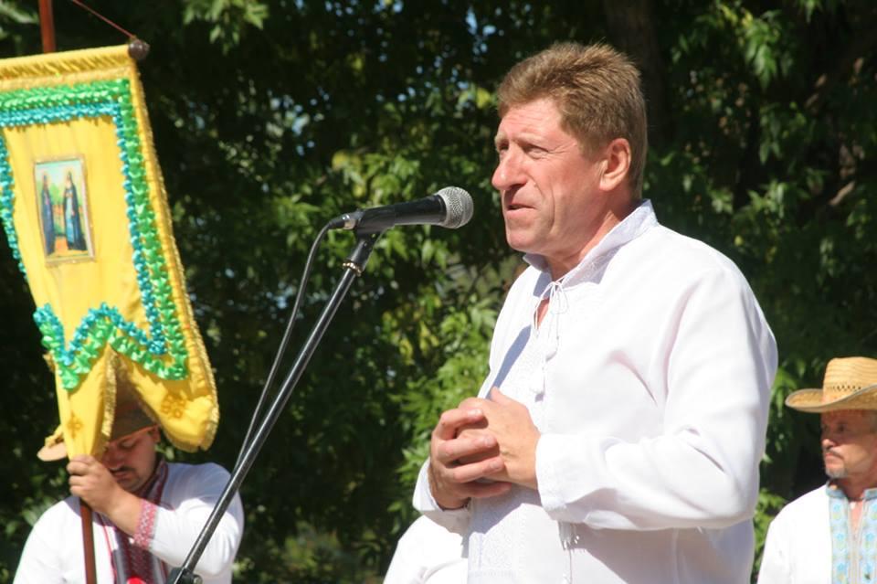 виступає Микола Крамаренко
