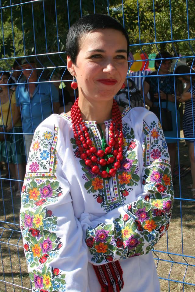 журналістка Ірина Павленко на фестивалі меду